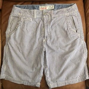 American outfitters blue and white stripped shorts